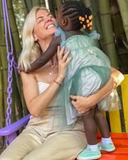 Χριστίνα Κοντοβά: Η νέα τρυφερή φωτογραφία με την μικρή Ada (εικόνες)