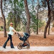 Νάντια Μπουλέ: Να τι έχει αγαπήσει η κόρη της και το έχει μαζί της