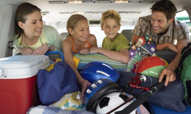 Κάντε διασκεδαστικά τα μακρινά ταξίδια με τα παιδιά σας