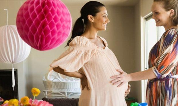 Ένα πάρτι εγκυμοσύνης για κοριτσάκι; Αποφύγετε το ροζ χρώμα