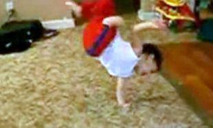 Αστείο Βίντεο: Το καλύτερο break dance από πιτσιρίκια