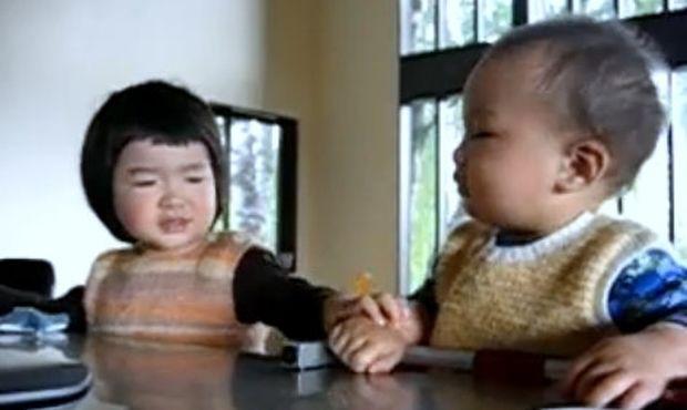 Βίντεο: Μην με ακουμπάς σου λέω!