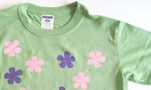 Βάλτε λουλούδια στα μπλουζάκια σας