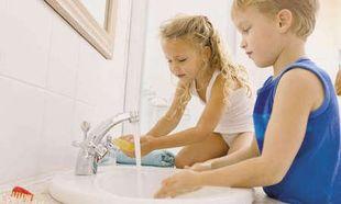 Πώς να πείσω το παιδί μου να πλένει τα χέρια του;