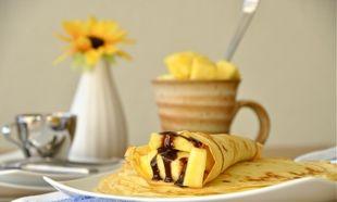 Νόστιμες κρέπες με κρέμα σοκολάτας και ανανά