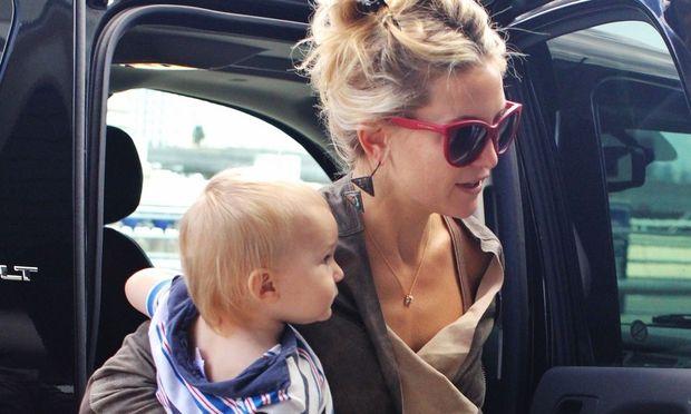 Kate Hudson: Αγκαλιά με το γιο της!