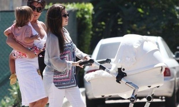 Πόσα καροτσάκια έχει η Kourtney Kardashian;