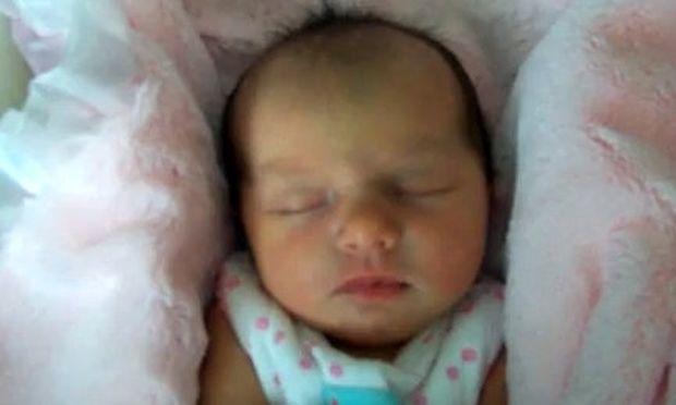 Βίντεο: Το πιο όμορφο νεογέννητο κοριτσάκι (για τη μαμά του!)