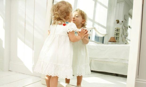 Στολίστε τον καθρέφτη στο παιδικό δωμάτιο!