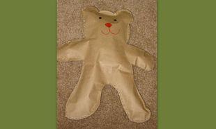 Ένας αρκούδος από χαρτοσακούλα!