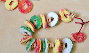 Γλυκά κολιέ από καραμέλες