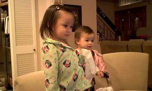 Δείτε δυο κοριτσάκια να χορεύουν στους ρυθμούς της Lady GaGa