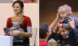 Marion Cotillard: Ασορτί με τον γιο της, επευφημεί τον σύζυγό της!