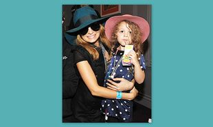 Nicole Richie – Harlow: Μαμά και κόρη με ίδια καπέλα!