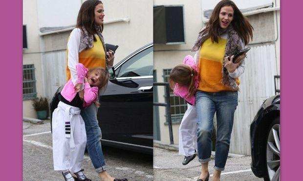 H Jennifer Garner σε παιχνίδια με την κόρη της!
