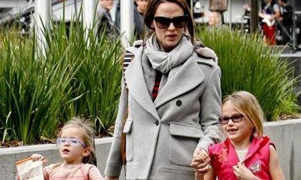 Jennifer Garner: Ανακηρύχτηκε μαμά της χρονιάς