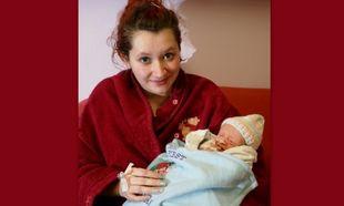 Το θαύμα των Χριστουγέννων: Γέννησε ανήμερα τα Χριστούγεννα αλλά δεν ήξερε ότι ήταν έγκυος!