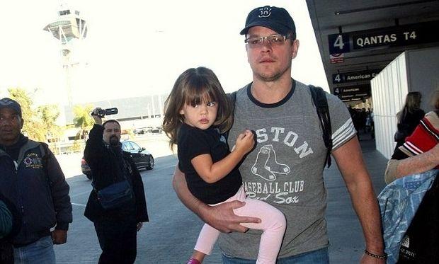 Matt Damon: Εγκατέλειψε τη σκηνοθεσία ταινίας για να είναι κοντά στις τέσσερις κόρες του