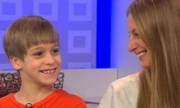 Video: Μαμά άφησε τον 8χρονο γιο της να πιστέψει ότι ξόδεψε 50.000 δολάρια στο eBay για να του κάνει πλάκα!