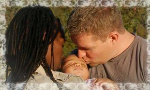 Συγκινητικό βίντεο: Άντρας το αφιερώνει στη σύζυγο και την κόρη του!