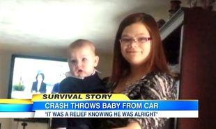 Μωρό πετάχτηκε 7,5 μέτρα μακριά από το αυτοκίνητο και έζησε!