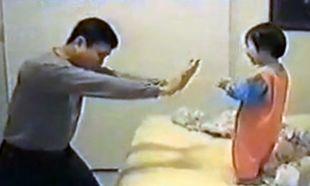 Βίντεο: Μπαμπάς και κόρη παίζουν καράτε!