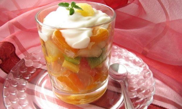 Καραμελωμένα φρούτα με γιαούρτι!