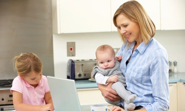 Εργαζόμενες μαμάδες; Χαρούμενες και με απόδειξη!