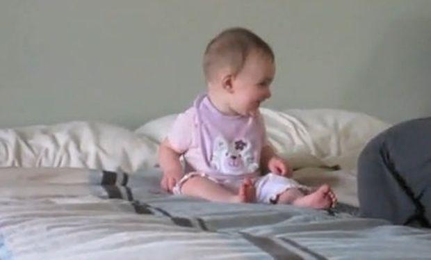 Βίντεο: «Γιούπιιιι.. θα παίξω με τον μπαμπά!»