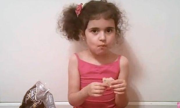 Βίντεο: Δείτε μια πιτσιρίκα να προσπαθεί να φτιάξει τούρτα αλλά…