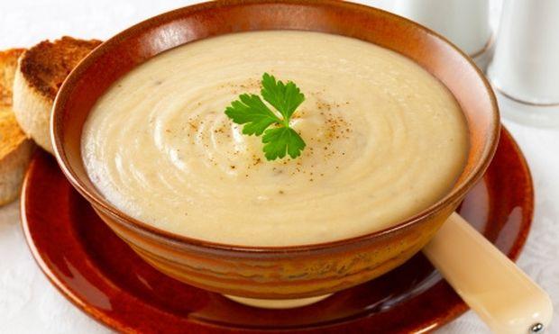 Μμμμ… βελουτέ σούπα με πατάτες και αρωματικά!