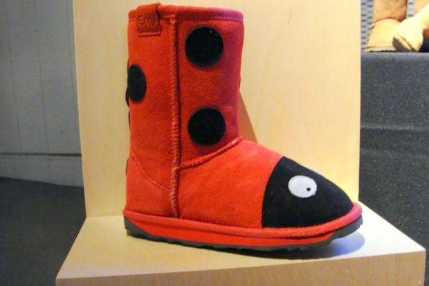 Οι μπότες πασχαλίτσες που έχουν ξετρελάνει τις πιτσιρίκες των celebrities