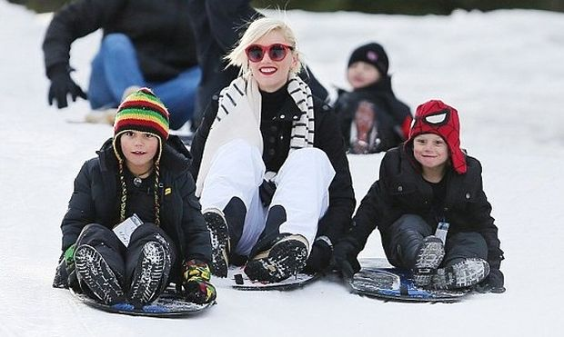 Gwen Stefani: Στα χιόνια με τους γιους της! (φωτό)