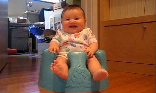 Βίντεο: To γέλιο μωρού που έχουν δει πάνω από 31 εκατομμύρια άνθρωποι!