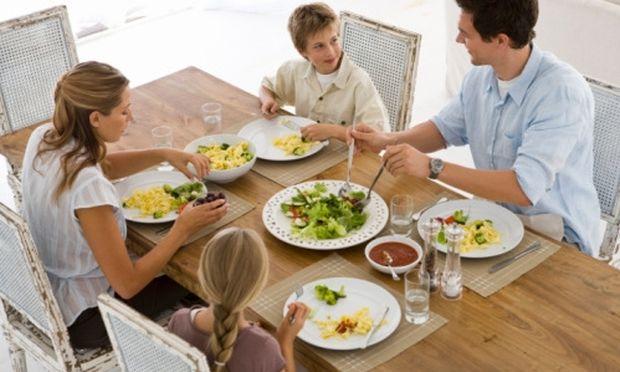 5 tips για να βοηθήσετε τα παιδιά να αγαπήσουν τη σωστή διατροφή!