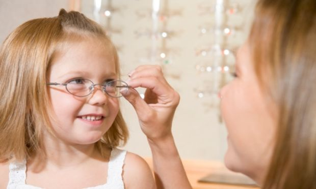 Πώς θα καταλάβω ότι κάτι δεν πάει καλά με την όραση του παιδιού μου;