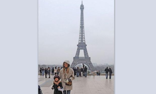 Jessica Alba: Επιμορφωτικό ταξίδι στο Παρίσι με την κόρη της!