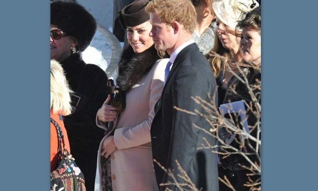 Kate Middleton: Νέες φωτογραφίες με τη φουσκωμένη κοιλίτσα της!