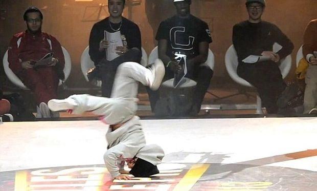 Δείτε την καλύτερη χορεύτρια διαγωνισμού breakdance