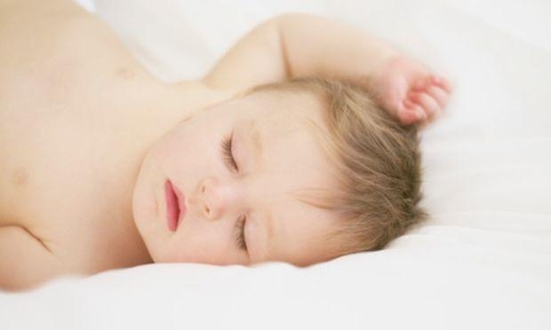 Τα παιδιά που κοιμούνται αργά, κινδυνεύουν με χρόνια αϋπνία όταν μεγαλώσουν