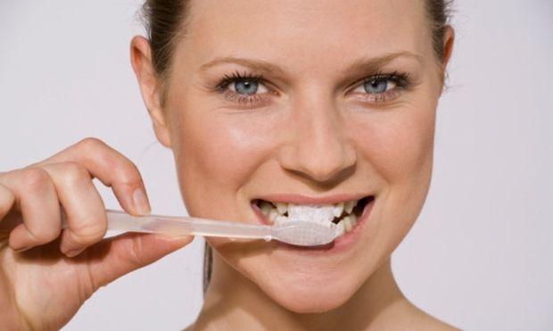 SOS: Γιατί πρέπει να επισκεπτόμαστε συχνά τον οδοντίατρο κατά τη διάρκεια της εγκυμοσύνης;