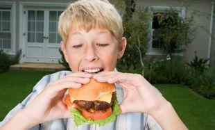 IQ «ραδικιού» τα παιδιά που καταναλώνουν συχνά junk food!
