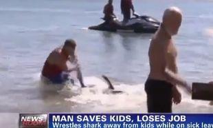 Έσωσε τα παιδιά από τον καρχαρία και του κόστισε την δουλειά του!
