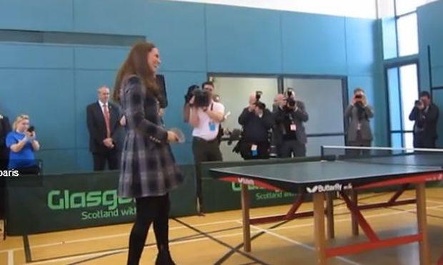 Kate Middleton: Δείτε την στον έκτο μήνα με ψηλοτάκουνα και ρακέτα του ping pong!