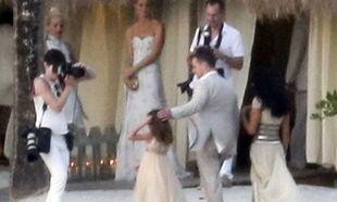 Matt Damon: Οι τέσσερις κόρες του τον πήγαν γαμπρό στην εκκλησία για να ανανεώσει τους όρκους αγάπης με τη σύζυγό του!