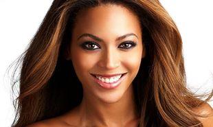 Beyonce: «Η μητέρα μου μού θυμίζει πάντα πως δεν είμαι βασίλισσα»!
