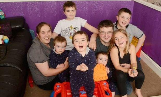 Έχασε τρία παιδιά μέσα σε δύο χρόνια και ύστερα ήρθαν... τρίδυμα!