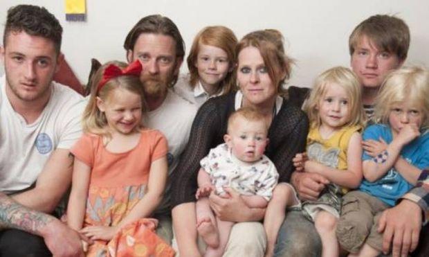 Τραγωδία: Μπορεί να μείνουν τυφλά και τα 7 παιδιά τους