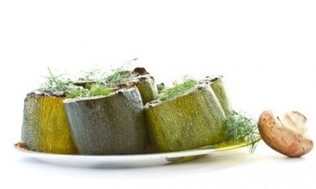 Θρεπτικά κολοκυθάκια γεμιστά με… λαχανικά!