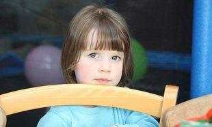 Διαπρέπει στη ζωγραφική τρίχρονο κοριτσάκι που πάσχει από αυτισμό!